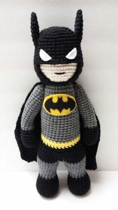Had a hard time finding a Batman pattern I liked. Crochet Baby Toys, Crochet Baby Booties, Crochet Slippers, Crochet For Kids, Crochet Dolls, Crochet Crafts, Crochet Projects, Batman Amigurumi, Crotchet Animals