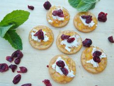 easy and tasty goat cheese, crackers and apricot preserves