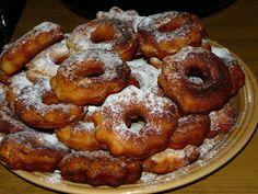 Kenyércsücsök: Zablisztes túrófánk Onion Rings, Doughnut, Paleo, Food And Drink, Sweets, Ethnic Recipes, Tej, Live, Inspiration