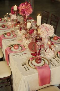 gorgeous Christmas table setting