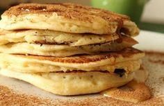 Η αυθεντική συνταγή για ένα απολαυστικό πρωινό για όλη την οικογένεια! Οι αργίες είναι η ιδανική ευκαιρία να απολαύσουμε ένα πρωινό λίγο πιο ιδιαίτερο και πιο χαλαρό από αυτά που συνηθίζουμε... The Kitchen Food Network, Sweets Cake, Food Network Recipes, Pancakes, Recipies, Favorite Recipes, Breakfast, Yum Yum, Juice