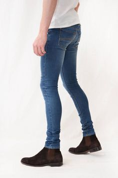 Pin by Fab McAllister on My Style! Levis Skinny Jeans, Skinny Jeans Herren, Tight Jeans Men, Superenge Jeans, Boys Jeans, Super Skinny Jeans, Jeans And Boots, Skinny Pants Mens, Tights Outfit