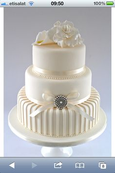 Beautiful wedding cake - simple and elegant!