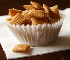 This is a very easy to make snack recipe, and it tastes great! The cinnamon and sugar mixture is just right on this crispy little snack.  All you need is some(...)