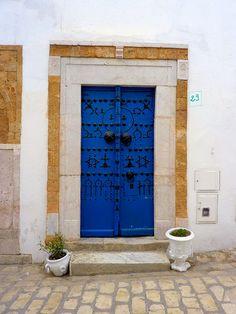 porte bleue by po-ka, via Flickr