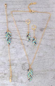 Le produit Bracelet ★plume ★ tissé en perles de verre Miyuki est vendu par My-French-Touch dans notre boutique Tictail. Tictail vous permet de créer gratuitement votre boutique en ligne - tictail.com