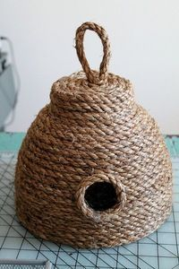 Bee decor and vintage bee hive home decorating. Shop for bee and beehive jewelry, beehive art and home decor and other handmade vintage bee goods for your little hive. Rope Crafts, Diy And Crafts, Arts And Crafts, Decor Crafts, Sisal, Bee House, Bee Skep, Bee Party, Bee Theme