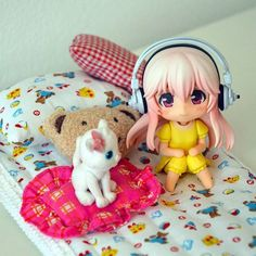 Super Sonico in pajamas...  She in so kawaii even if there aren't her boobs  #supersonico #sonico #japan #nendoroid #toy #toyphoto #toyphotography #kawaii #pajamas #cat #neko #bed #pillow #figure #すーぱーそに子 #かわいい #toptoyphotos #cute #tiny #chibi by konkon.photo http://ift.tt/1Tp3tW4