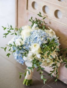 20 Hydrangea Wedding Bouquets Any Bride Would Love - Sunflower wedding bouquet - Blumenkranz Green Hydrangea Bouquet, Blue Hydrangea Centerpieces, Blue Flower Arrangements, Hydrangea Bouquet Wedding, Blue Wedding Flowers, White Wedding Bouquets, Bride Bouquets, Bridal Flowers, Dahlia Bouquet
