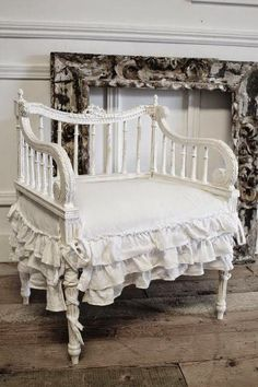 4 Prosperous Clever Tips: Shabby Chic Curtains Posts shabby chic living room car. - 4 Prosperous Clever Tips: Shabby Chic Curtains Posts shabby chic living room carpet. Cottage Shabby Chic, Shabby Chic Living Room, Shabby Chic Bedrooms, Shabby Chic Kitchen, Shabby Chic Homes, Shabby Chic Furniture, Romantic Bedrooms, Western Furniture, Furniture Vintage