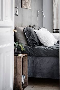 10 Tips How To Build A Lightweight House Decoration Design - Cosy Interior. Best Scandinavian Home Design Ideas. The Best of inerior design in Scandinavian Bedroom Decor, Scandinavian Apartment, Deco Design, Design Design, My New Room, Home Bedroom, Master Bedroom, 1920s Bedroom, Peaceful Bedroom