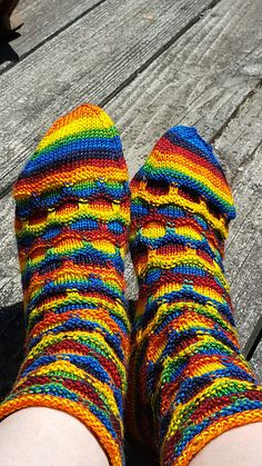 Ravelry: Tasmin21's Rainbow Bubbles Socks