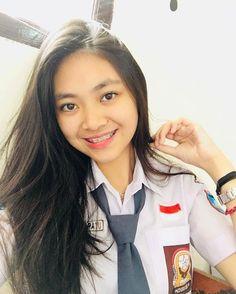 High School Girls, High School Seniors, Back To School, Cute Young Girl, You're Beautiful, School Uniform, Asian Beauty, Girly, Teen