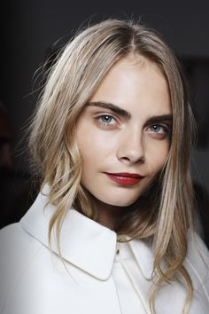 Perfect holiday makeup \\ Burberry Beauty Backstage