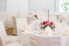 Ein Traum in weiß, nicht nur das Brautkleid. Hochzeit im Waldhotel Stuttgart.