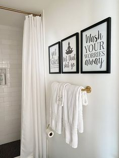 These bathroom wall art printables are so great! I have to order them for my black and white bathroom remodel.