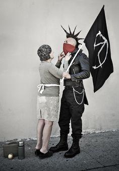Photographer Nick Stern recreate Banksy's Street Art.