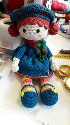 preciosa muñeca tejida a croch
