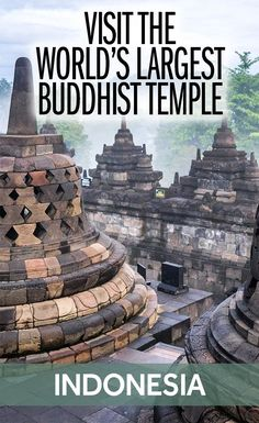 Everything you need to know about Borobudur Temple in Central Java - the world's largest Buddhist temple. What is the history of the site and how can you visit Borobudur yourself? Yogyakarta, Travel Guides, Travel Tips, Travel Destinations, Borobudur Temple, Thinking Day, Buddhist Temple, Bhutan, World Heritage Sites