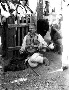 Iosif Berman (n. 17 ianuarie Burdujeni, Județul Dorohoi - d. Folk Clothing, Ethnic Design, September 17, Old Photographs, Anthropology, Folklore, Musical Instruments, Connection, Culture
