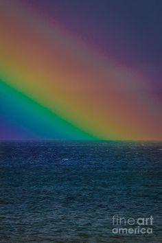 ✯ A very big and beautiful rainbow falling on Lake Tahoe