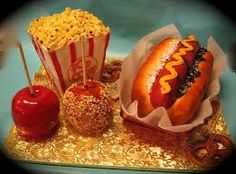 Cakes and Sweets that look like Fast Food