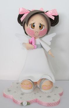 luv the eyes for a doll. Foam Crafts, Arts And Crafts, Diy Crafts, Angel Theme, Fondant Figures Tutorial, Fiesta Decorations, Polymer Clay Christmas, Clothes Crafts, Sugar Art