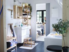 The right bathroom furniture gives you space for everything you need – and smart ways to organize it all.