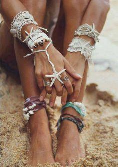 Beauty / beachy boho chic on We Heart It Hippie Gypsy, Hippie Chic, Beach Hippie, Bohemian Beach, Bohemian Summer, Ibiza Beach, Gypsy Style, Hippie Style, Bohemian Style