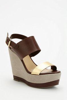 Report Nessa Platform Wedge Sandal #urbanoutfitters