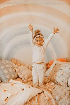 Do you have a favorite mommy and daughter duo? If you said Krista & Kolly Horton we couldn't agree with you more! Bringing you a room fit for a Kolly girl. Cute Babies, Baby Kids, Cute Children, Baby Boy, I Want A Baby, Cute Kids Photography, Cute Baby Pictures, Baby Family, Baby Fever