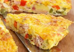 This is a Western omelet recipe with green pepper, eggs, onions, ham, and butter. Cook this omelet in smaller portions for Western sandwiches. Egg Recipes For Breakfast, Breakfast Bake, Perfect Breakfast, Breakfast Dishes, Breakfast Casserole, Brunch Recipes, Omelette Legume, Omelettes, Viajes