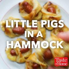 Little Pigs In A Hamm… - Fingerfood Rezepte Schnell Finger Food Appetizers, Appetizers For Party, Finger Foods, Appetizer Recipes, Snack Recipes, Cooking Recipes, Shower Appetizers, Bacon Appetizers, Easy Cooking