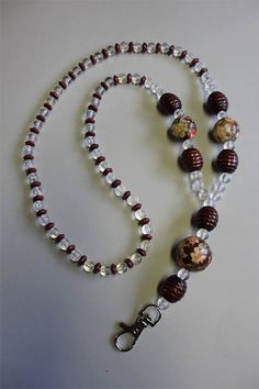 key chain Beaded Necklace, Beaded Bracelets, Lanyards, Key Chain, Craft Ideas, Diy Crafts, Jewelry, Beaded Collar, Jewlery