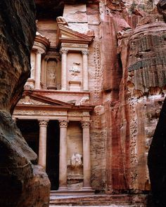 The Beauty of Petra in Jordan | by mandalaybus