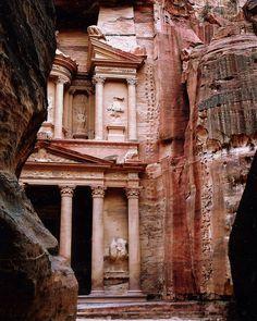 The Beauty of Petra in Jordan | by mandalaybus