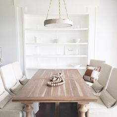 Get inspired by our curated selection of the most luxurious tables and desks for your home and interior projects. #tabledesign #deskdesign #homeoffice