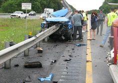 Motorista tem ferimentos leves após acidente impressionante nos EUA   Tô de Olho Em Você