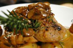 Chicken Wings, Pork, Meat, Minden, Simple, Kale Stir Fry, Pork Chops, Buffalo Wings