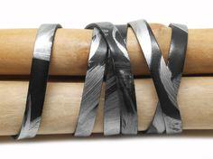 Lanière cuir plat 10mm x1m noir et argenté métallisé - CUP10009 : Fils, cordons pour bijoux par unfilalaperle