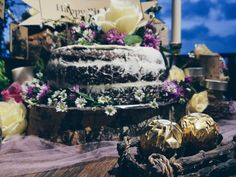 Rustic table decoration with naked cake • Divine project bali