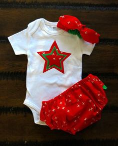 Organic baby clothes / Baby girl outfit /Star appliquéd