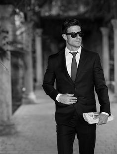 Omgee...every man should always wear a suit.