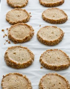 check out english oat crackers. it's so easy to make! | ina garten
