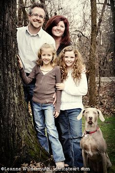 Outdoor Family Portrait Posing Ideas | Notes : An outdoor family portrait…