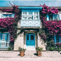 Turkish Architecture, Art And Architecture, Beautiful Places In The World, Beautiful Homes, Forest Cottage, Holiday Boutique, Urban Landscape, Holiday Travel, Traditional House