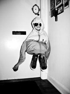 LLG Natsumi Hayashi - levitation - floating - flotter - gravity - léviter