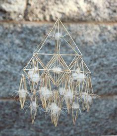Winter Light collection. Modell C. Halmkrona eller oro av Per-Åke Backman. Fotograf: Lennart Edvardsson