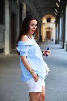 Summer colour palette today with a blue gingham blouse and white shorts!