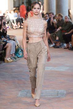 Alberta Ferretti Spring 2018 Ready-to-Wear  Fashion Show Collection
